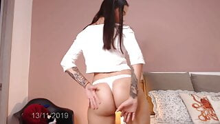 Colombian girl looks so innocent and sensual that you wish y