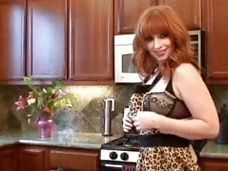 Lonely porn - Lonely redhead pinup milf orgasm