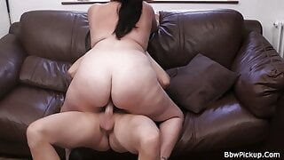 Photosession with bbw leads to fuck date