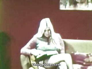 Free online play sex games - Lesbians playing dirty sex games 1960s vintage