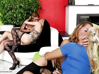 Old and young lesbo Super hot old and young lesbo group sex