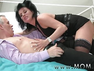 Mature milf porn review - Mom mature milf takes charge of her man