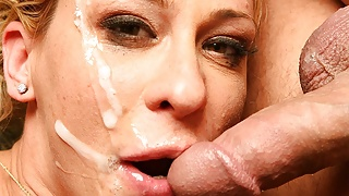 Milf Phyllisha Anne likes to get all her holes fucked
