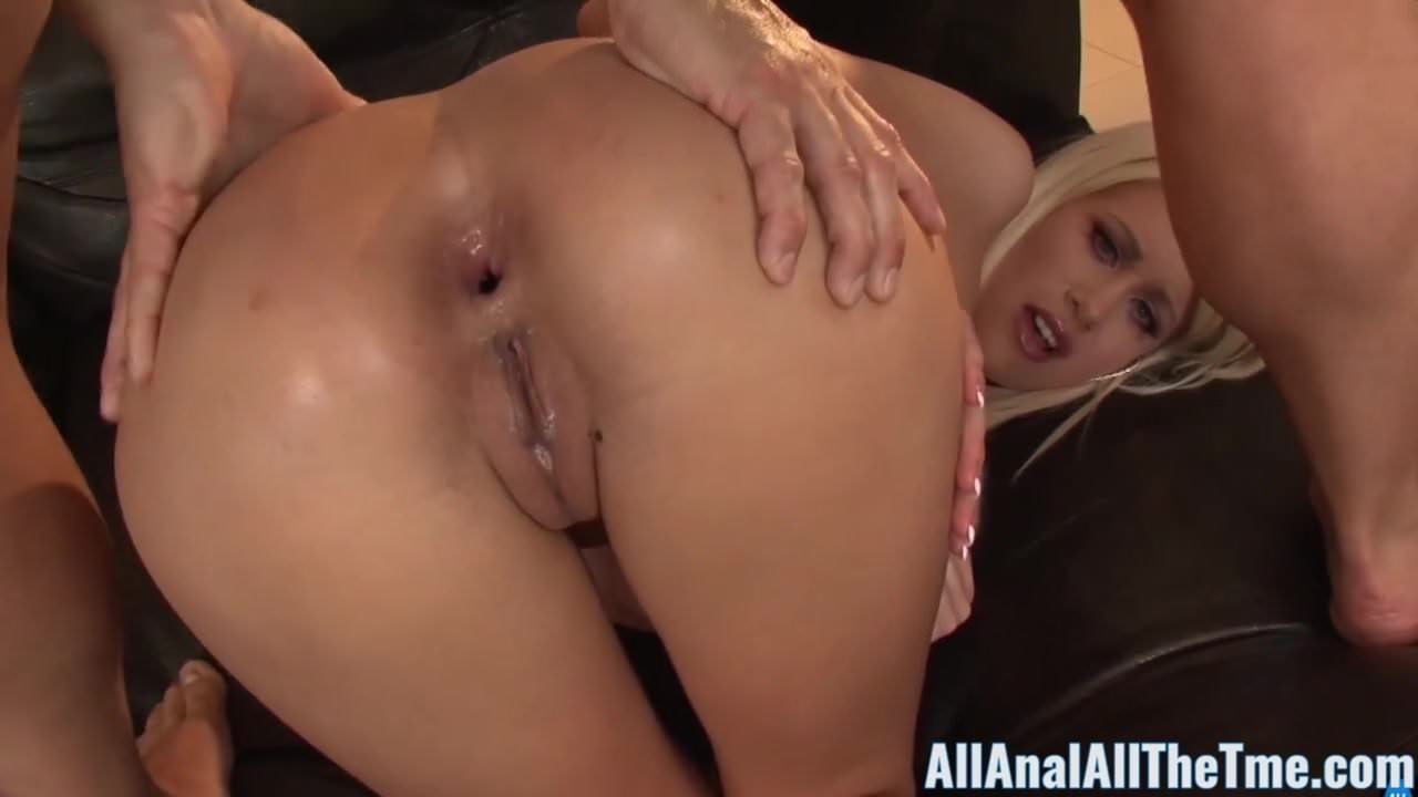 Sex anal Riley jenner Blue eyed