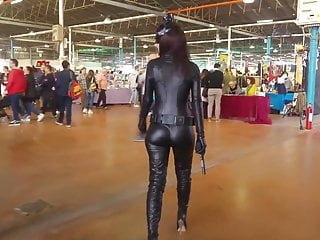 Sexy catwomen Latex suit catwomen ass candid leggings