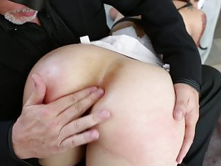 Hot sex asians - Hot sex slave gets her ass stretched with various tools