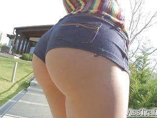Masterbateing before sex - Asstraffic babe in hotpants jiggles her ass before sex