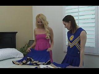 Redtube lesbian cheerleaders Les favorites 5