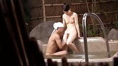 jap hot spring-wife1-onsen