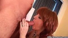 Бабушка осушит твои яйца своим ртом