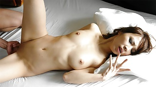 Japanese model Mika Ito is pleasing a guy, uncensored
