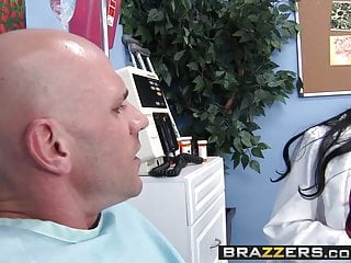 Sexy james bond parody audrey bitoni - Brazzers - doctor adventures - audrey bitoni johnny sins - f
