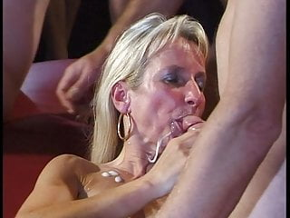 Sperm swallowing videos 39 2-3: bukkake gangbang sperm swallowing facials blowjobs