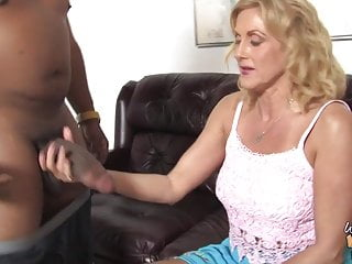 Milfs sucking black dick Old granny suck and fuck fat black dick