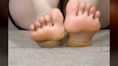MILF Feet Closeup Footjob