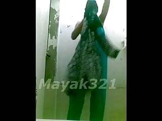 Mama gfs nude - Gf show nude in bathroom
