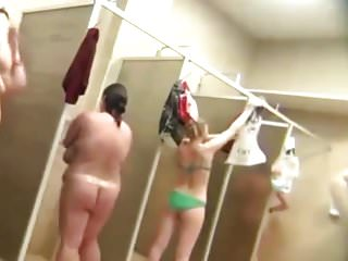 Housewives caught naked pics - Spy cam caught showering housewives