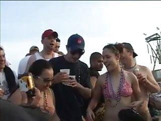 Getting boob grabbed Grabbing latina boobs at the beach
