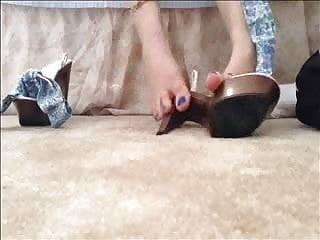 Vintage bubblegum - Bubblegum puts on heels preview