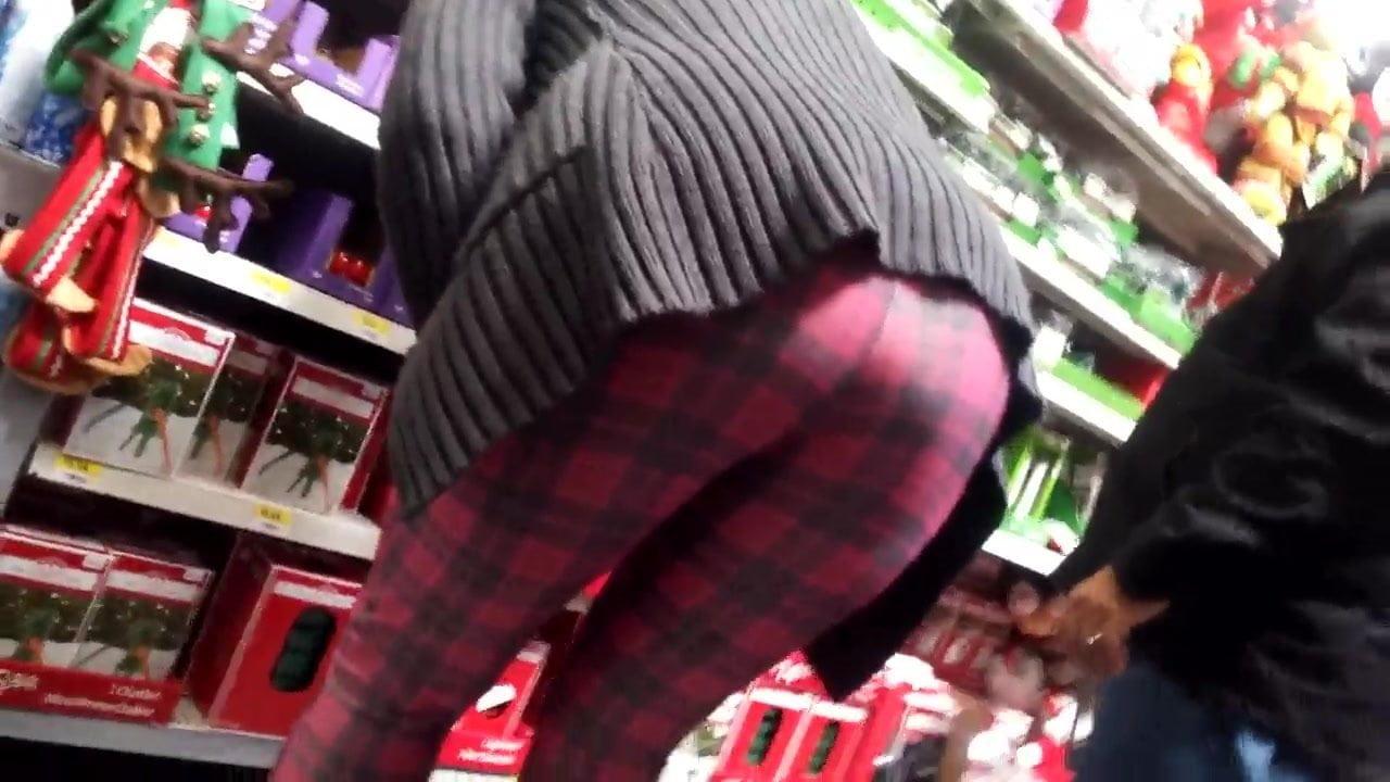 69 Con Leggins Porno gilf in tight leggings bends over for the cam