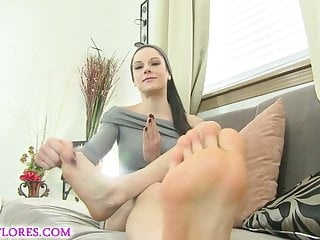 Footjob wife - Mandy flores in cuckold footjob