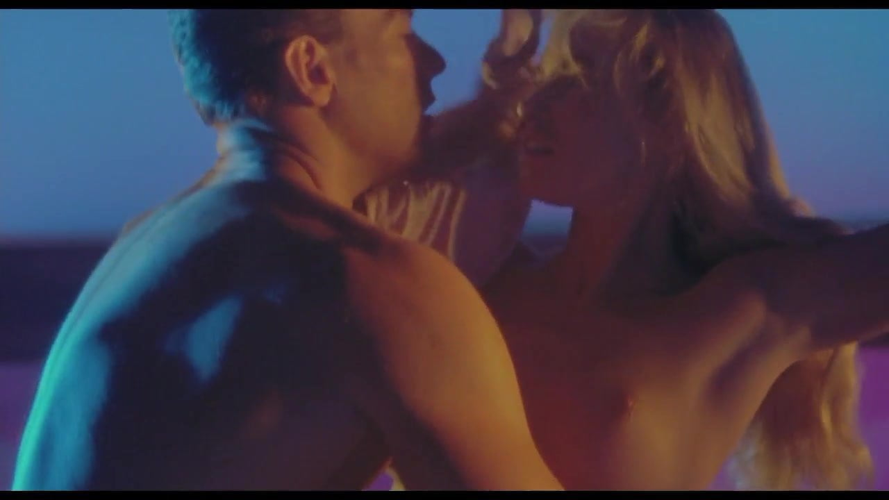 Alonna shaw breasts, butt scene in double impact