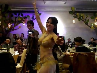Shaking their ass sexy dancers Sexy asian belly dancer shake her slut boobs
