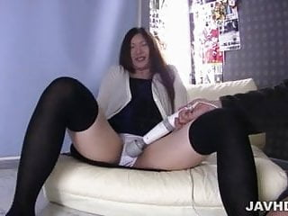 How to perfom sex with female Asian lady is one hell of a perfomer