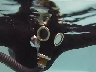 Gas mask xxx Underwater in gas mask