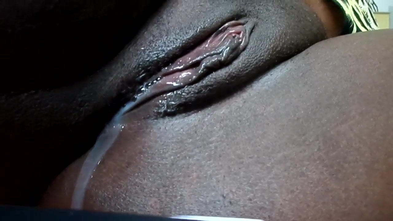 Ebony Stepsister Eating Pussy
