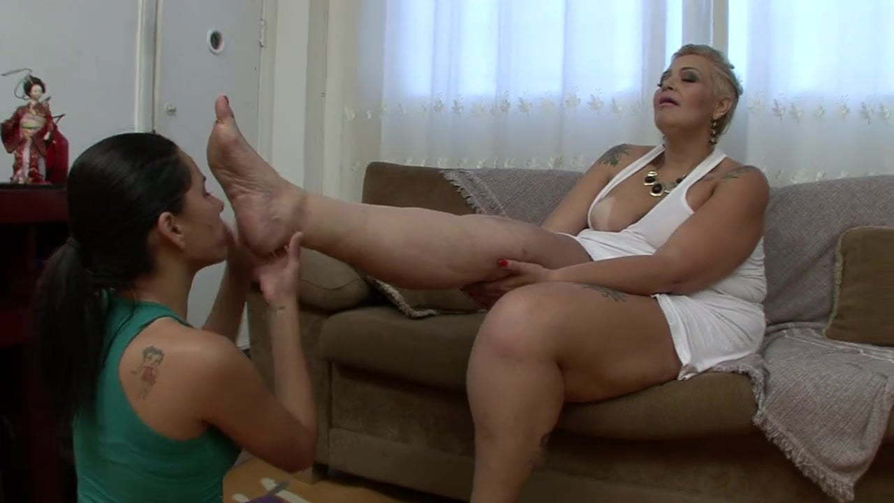 Girls Stinky Feet Worship