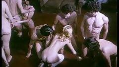 classic 1977 - La Perversion d'une jeune mariee 04