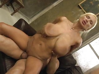 Hot boob video Hot sexy mature - bouncing boobs