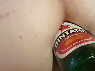 Beer bottle tricks breaking bottom On amyl, she takes a large beer bottle in her arse