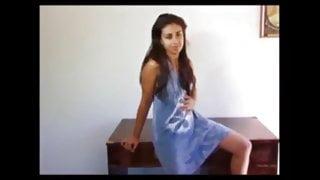 Desi sexy girl masturbating for her bf