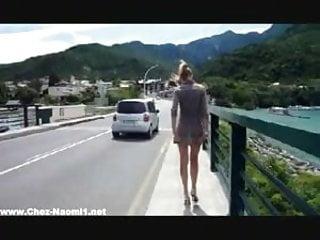 Adult mental health milieu management Nue en public au milieu des voitures