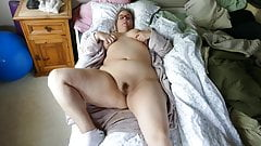 Pretty plumper mom fingering her hairy pussy wanting big cock