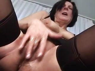 Pussy fuckin video jiz - Hairy pussy mom masturbates before fuckin