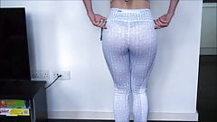 leggings try on