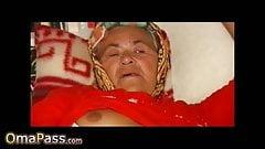 OmaPass сексуальные бабушки мастурбируют ее волосатую киску