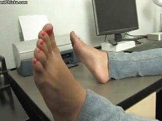 Violent pornography choking chicks and Lesbian foot fetish
