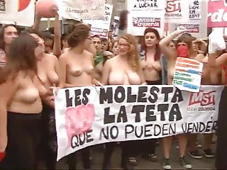 Naked bike protesters pics hipsters - Spanish women protesting topless