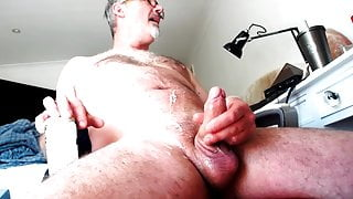 UK Cock has loads of cum for friends