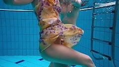 Hottest underwater babes – lesbians