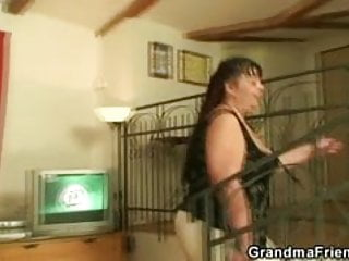 Fat woman fucking with big tits - Interview with fat woman leads to threesome