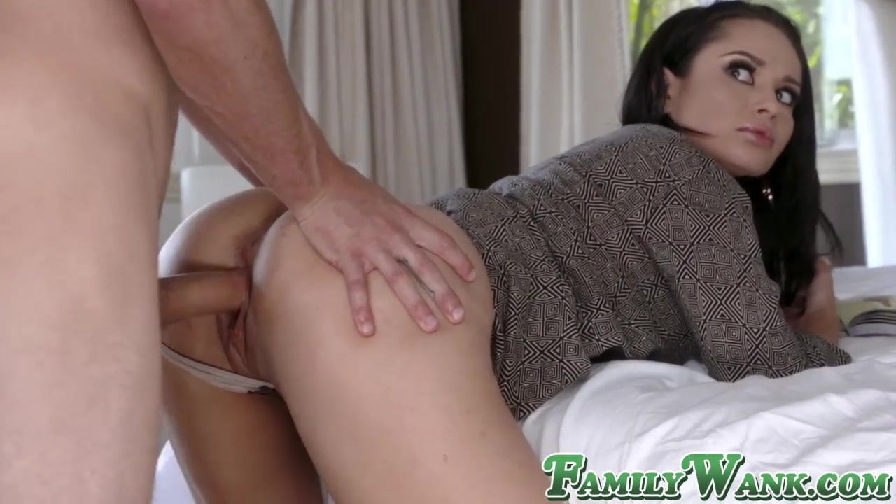 Free download & watch stepmom helps out stepson with his morning boner in secrecy          porn movies