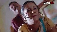 Bhabhi gets banged from behind