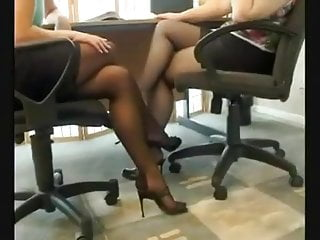 Sexy stockings on ladies - 2 sexy ladys shoeplay
