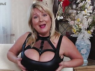 Breast tenderness comes and goes pregnancy British big breasted mom goes wild