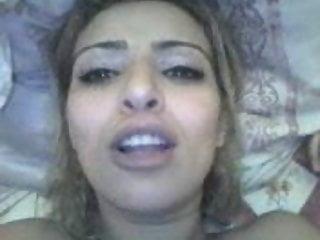 Arab funny adult - Trop chaude la salope